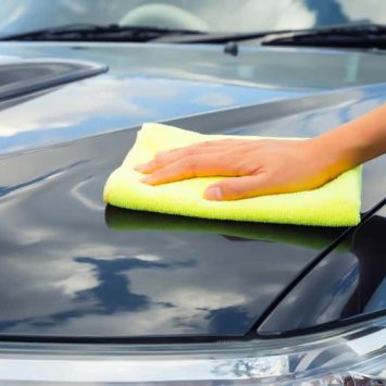 detailer removing water spots from car paint